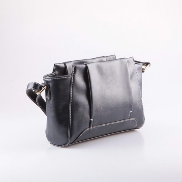black-pu-shoulder-bag-02