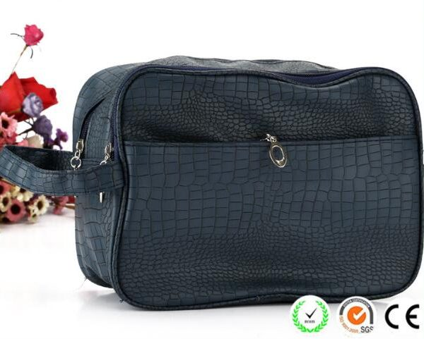 crocodile-pattern-plain-black-pu-men-cosmetic-bags-03
