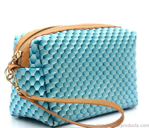 cute-girls-pu-toiletry-purse-leather-cosmetic-bag-01