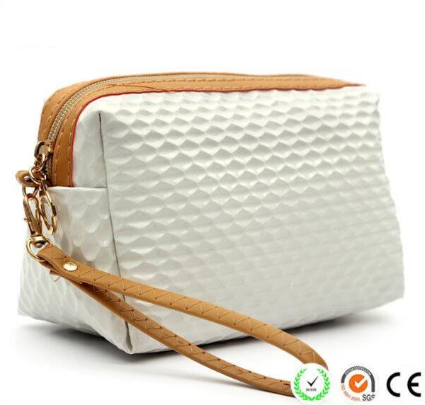 cute-girls-pu-toiletry-purse-leather-cosmetic-bag-02