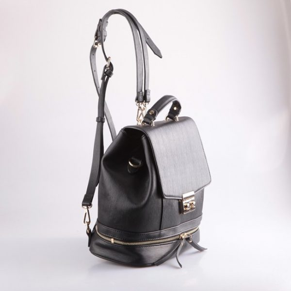 designer-casual-backpack-for-woman-01