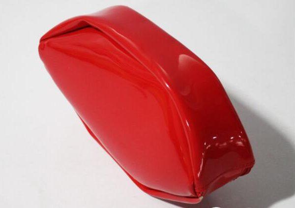 lip-shape-printing-travel-cosmetic-bag-for-girl-02