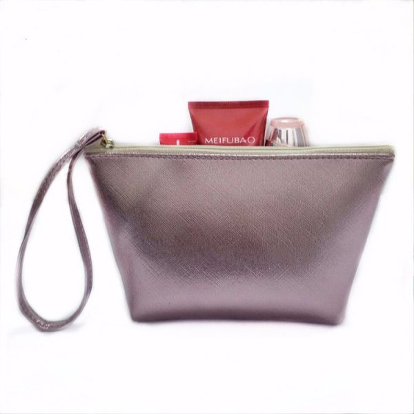 small-women-makeup-cosmetic-travel-toiletry-bags-02