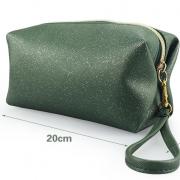 travel-cosmetic-bag-01