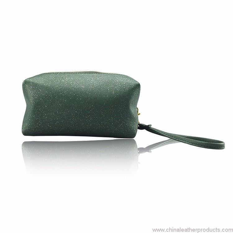 travel-cosmetic-bag-03