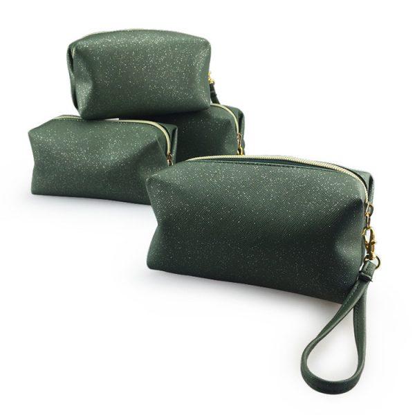 travel-cosmetic-bag-04