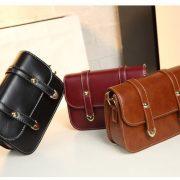 women-genuine-leather-messenger-bag-03
